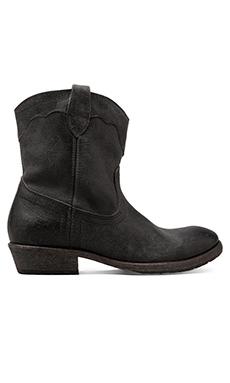 Frye Carson Lug Short Boot in Black
