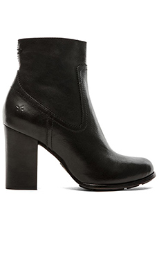 Frye Parker Short Boot in Black