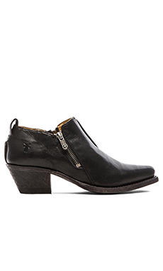 Frye Sacha Moto Shortie in Black