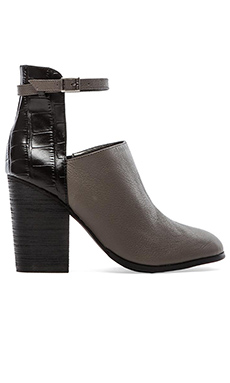 GREY CITY Benson Bootie in Iron