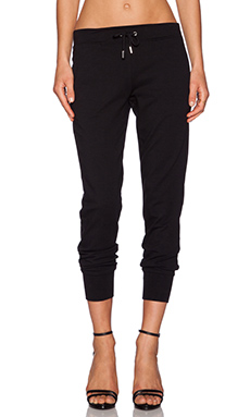 GETTINGBACKTOSQUAREONE Skinny Sweatpant in Black