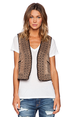 Gypsy 05 Embroidered Vest in Camel