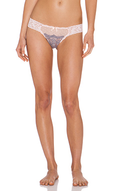 Hanky Panky Emma Lace Low Rise Thong in Peachy Pink