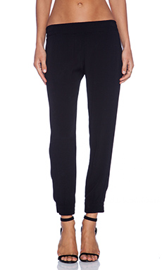 MONROW Crepe Skinny Sweat in Black