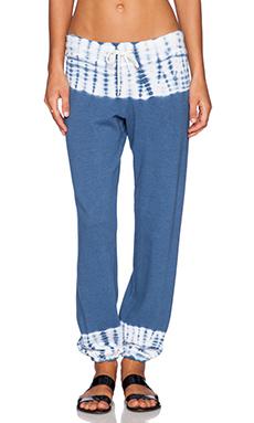 MONROW Border Tie Dye Vintage Sweatpant in Vintage Blue