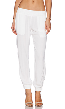 MONROW Crepe Skinny Sweatpant in White