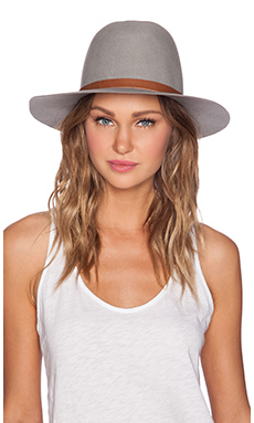Hat Attack Medium Brim Floppy Hat in Light Grey & Leather Belt