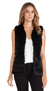 heartLoom Lizanne Faux Fur Vest in Black