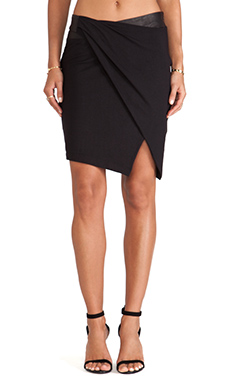 Heather Leather Banded Tuck Skirt in Black