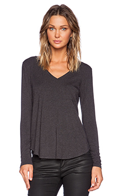 Heather Long Sleeve V Neck Pocket Tee in Heather Black