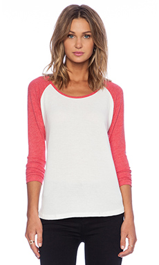 Hye Park and Lune Crescent Raglan in Red