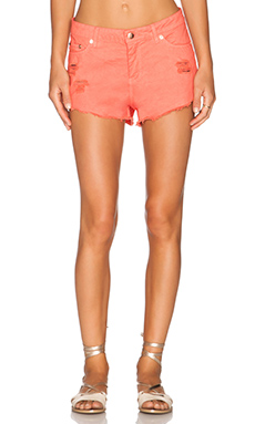 Insight Low Thrasher Short in Coral