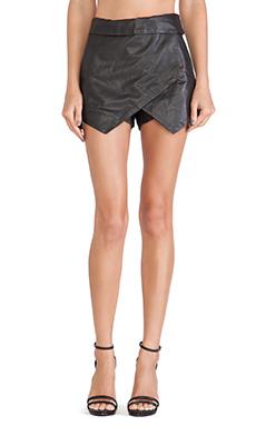 Jennifer Kate Leather Envelope Skirt in Black