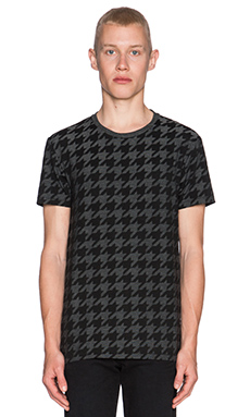 J. Lindeberg Sev C Tee in Black