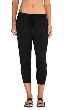 krisa Cropped Boyfriend Pant in Black
