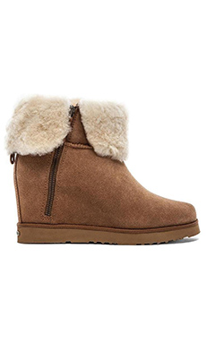 Koolaburra La Volta Boot with Fur in Chestnut