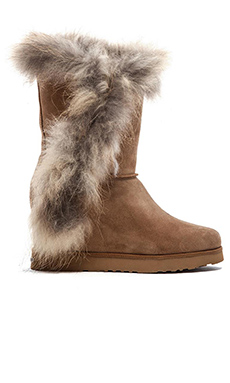 Koolaburra La Volta Fur Bootie in Chestnut