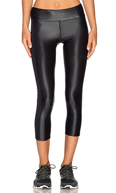 koral activewear Dynamic Duo Capri Legging in Black