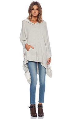 LACAUSA Trail Poncho in Heather Grey