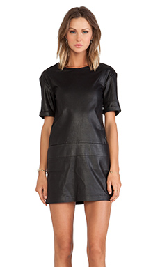 LaMarque Alma Dropped Shoulder Tunic in Black