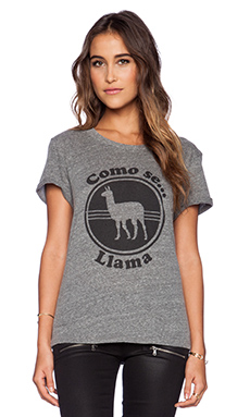 Local Celebrity Como Se Llama Schiffer Tee in Heather