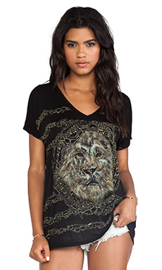 Lauren Moshi April Chain Lion Oversized V Neck Tee in Black