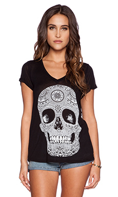 Lauren Moshi Becca Pattern Skull V Neck Roll Up Sleeve in Black