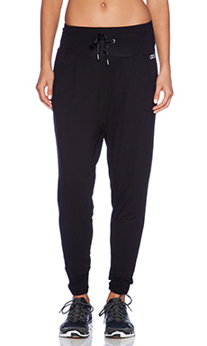 Lorna Jane Bohemian Harem Pant in Black