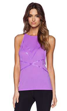 Lorna Jane Danielle Excel Mesh Tank in Dewberry