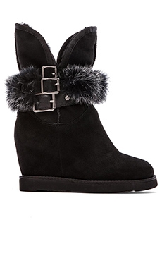 Australia Luxe Collective Hatchet Wedge Boot with Fur Lining in Black
