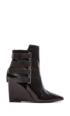 Luxury Rebel Rahda 2 Bootie with Shearling lining in Black