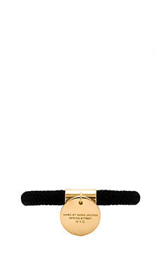 Marc by Marc Jacobs Grab & Go Location Bangle in Black Multi & Oro