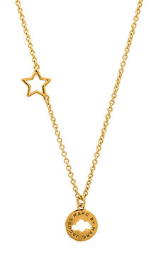 Marc by Marc Jacobs New Classic Marc Cloud Coin Pendant Necklace in Oro