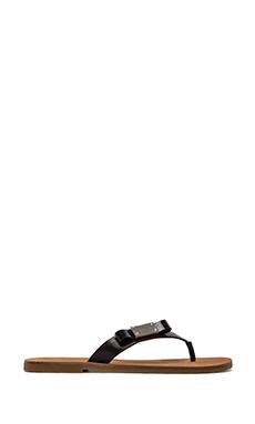 Marc by Marc Jacobs Tuxedo Logo Plaque Leather Flip Flop in Black