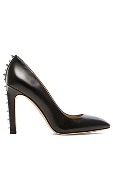 Marc by Marc Jacobs Calf Pump in Black