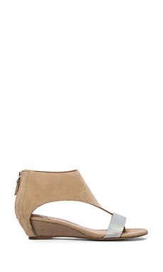 Matisse Reach Sandal in Natural
