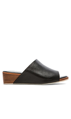 Matt Bernson Ames Leather Sandal in Black