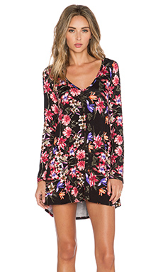 Michael Lauren Kyle Long Sleeve V Neck Dress in Black Tropical