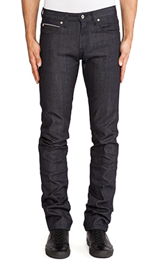 Naked & Famous Denim Skinny Guy 13oz Broken Twill Selvedge en Indigo