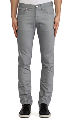 Naked & Famous Denim Skinny Guy Griffin Selvedge Chino 12 oz. en Griffin Grey