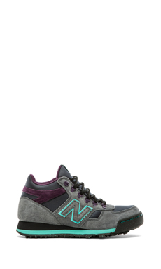 New Balance H710 in Grey & Teal
