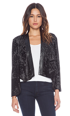 Nightwalker Kape Blazer in Black