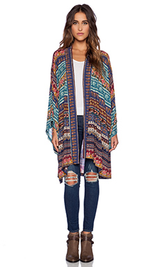 NOVELLA ROYALE Hitchhiker Kimono in Blue Moroccan