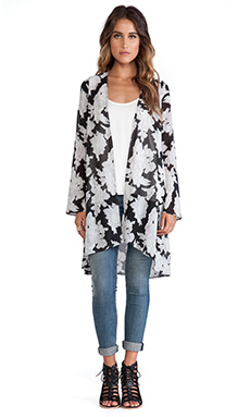 OH MY LOVE Long Kimono in Mono Floral