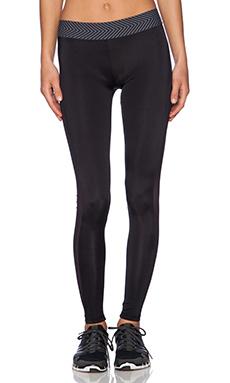 OLYMPIA Activewear Titan Legging in Jet & Jet Mesh