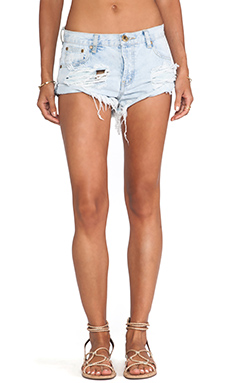 One Teaspoon Bandits Jean Shorts in Brando