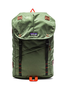 Patagonia Arbor Pack 26L in Camp Green