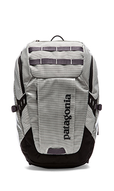 Patagonia Black Hole Pack 25L in White