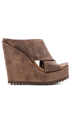 Pedro Garcia Tibby Wedge in Nut Castoro