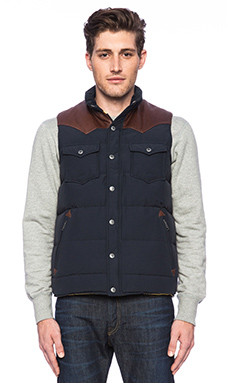 Penfield Stapleton Vest in Navy